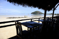 Enjoy breakfast overlooking the beach at Espandon Madagascar